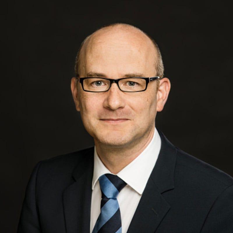 Dr. iur Sven Dierkes